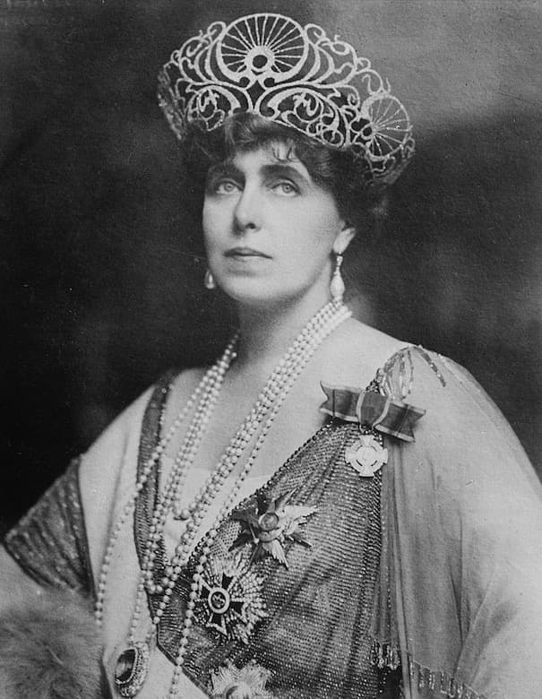 Queen Marie of Romania / Dracula's Castle