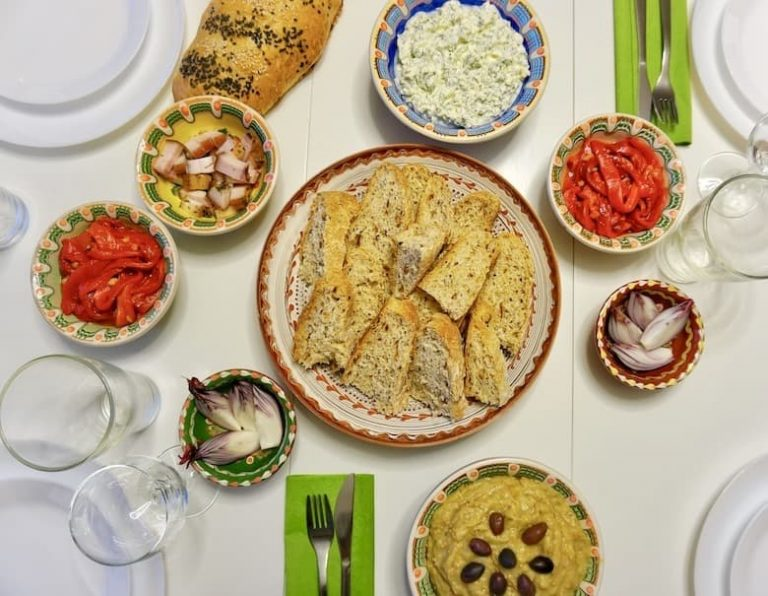 Eat with a family in Bucharest