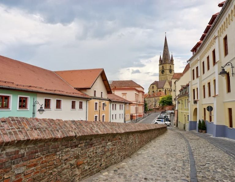 Tailor-made tours of Transylvania