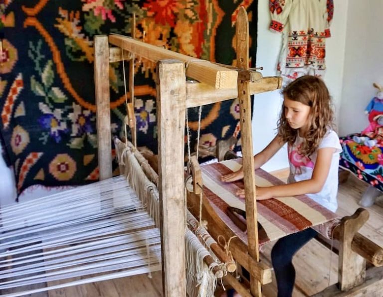 Workshops for kids in Romania